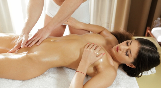 Nessa Shine's First Intimate Massage